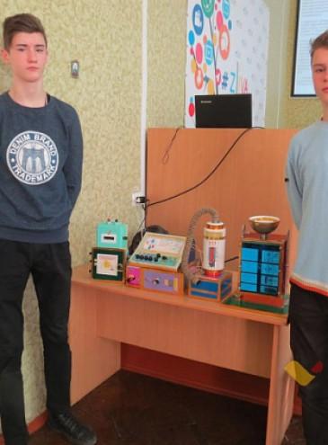 Двое украинских школьников разработали очень дешевый способ очистки питьевой воды