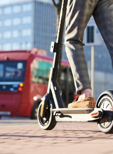 Пандемия показала, что городам нужна «микромобильность» – велосипеды, самокаты, моноколеса