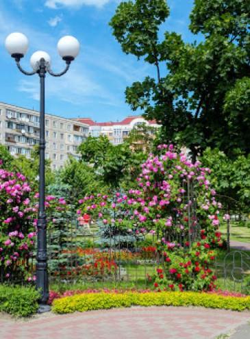 В Киеве вместо новых зданий российского посольства появятся новые скверы