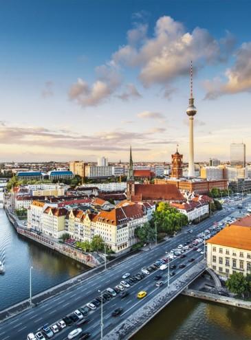 В Германии власти из-за коронавируса раздали людям по несколько тысяч евро