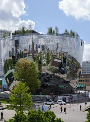 В Роттердаме создали музей – хранилище картин в виде огромной зеркальной чаши