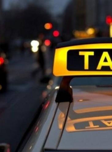 В Украине разрешили такси ездить по выделенным полосам для общественного транспорта