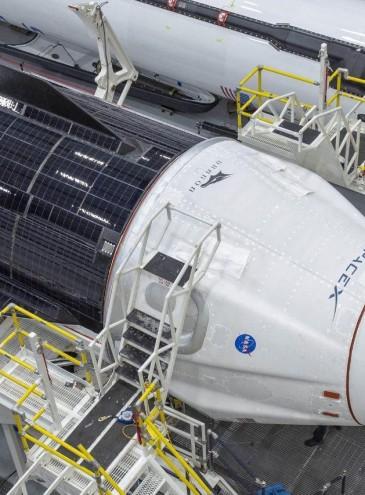 «Дракон» в космосе: 27 мая в США возобновят пилотируемые полеты