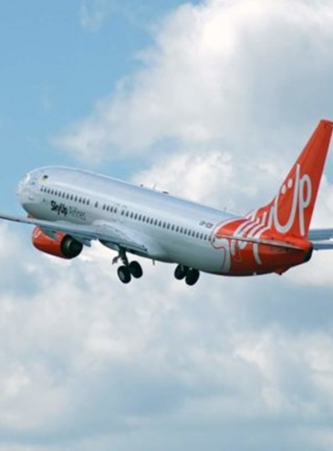 Украинская авиакомпания обещает в июле рейсы из Львова в Одессу и Херсон по цене от 500 грн