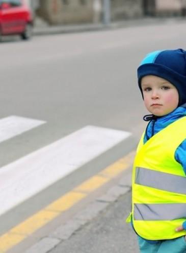 В Украине хотят ввести обязательные штрафы и светоотражающие элементы одежды для пешеходов
