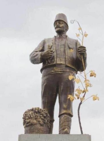 В селе на юге Одесской области из памятника Ленину сделали фигуру болгарского святого