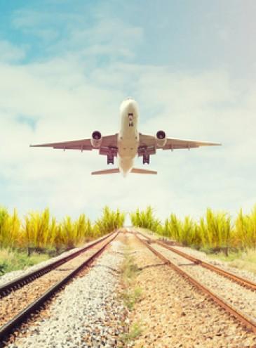 Самый единый: в Украине хотят сделать электронный билет на самолеты, поезда и городской транспорт