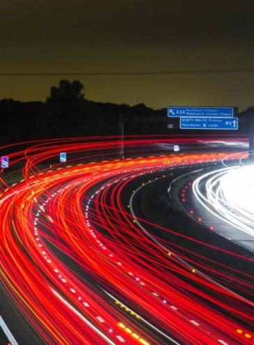 В Эстонии придумали новый тип наказания для водителей-«гонщиков»: успокаивающая остановка