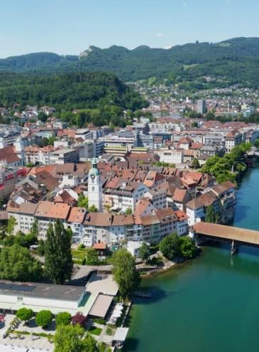 В швейцарском городе выпал снег из шоколада