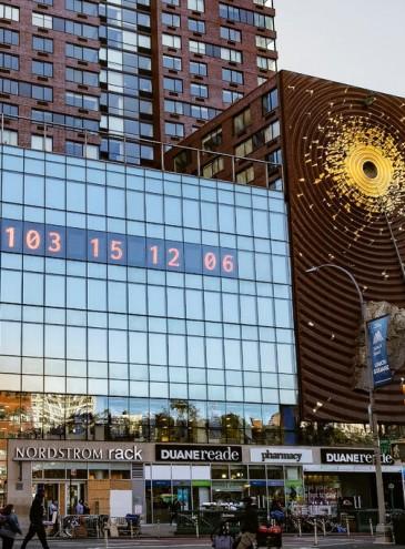 В Нью-Йорке установили часы, показывающие время до климатической катастрофы
