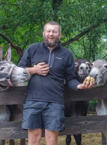 Под Киевом семья создала небольшую ослиную ферму – она одна в Украине. Молоко продают по 1000 грн за литр