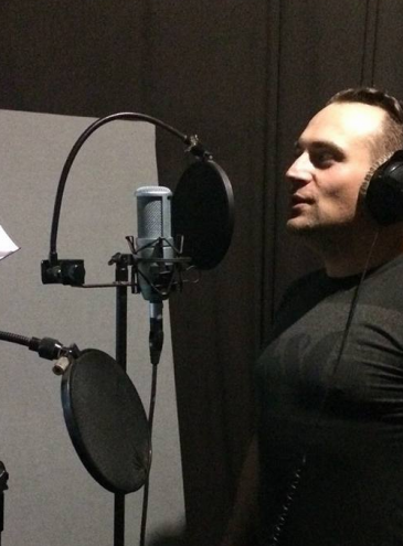 Поет і співак DEBRIAN: «Я той, хто дуже любить творчі експерименти»