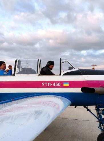 Украинский легкий самолет УТЛ-450 впервые поднялся в небо
