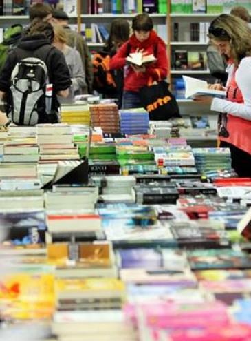 За кордоном вийшло ще 5 українських книг іноземними мовами: що перекладають?