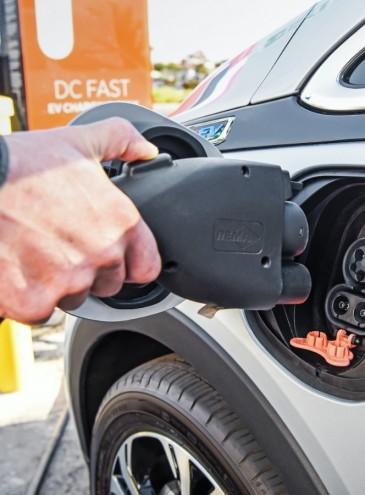 В США заменят весь государственный автопарк электромобилями