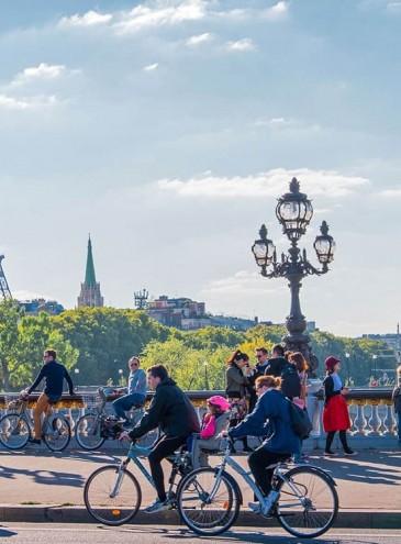 Велосипед против COVID-19: 60% французов передвигаются пешком или на двух колесах