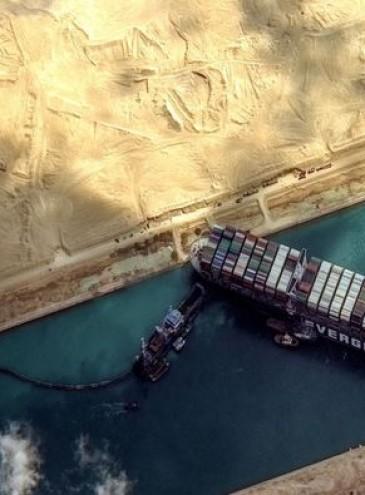 Авария контейнеровоза Ever Given в Суэцком канале: случайность, меняющая мир