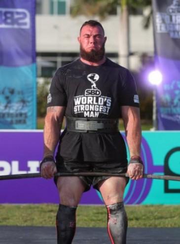 Украинец Алексей Новиков выиграл мировой чемпионат стронгменов