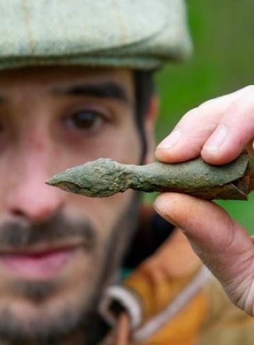 Британец нашел в Шервудском лесу серебряную «стрелу Робина Гуда»