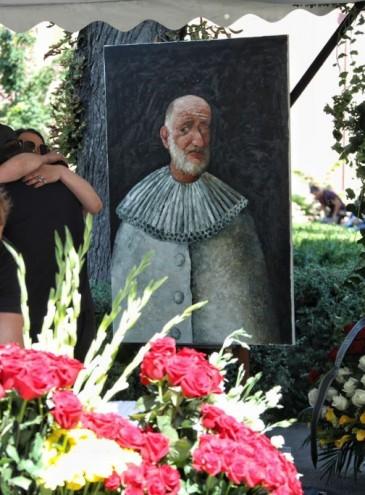 В Одессе простились с Александром Ройтбурдом. В его честь могут назвать музей и улицу